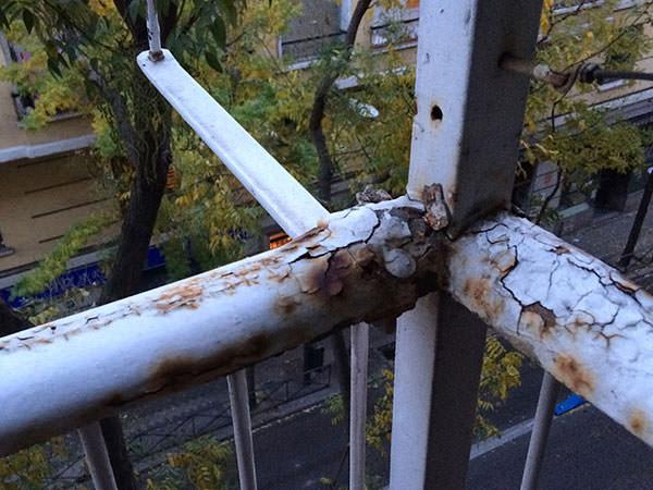 reparación de barandilla oxidada